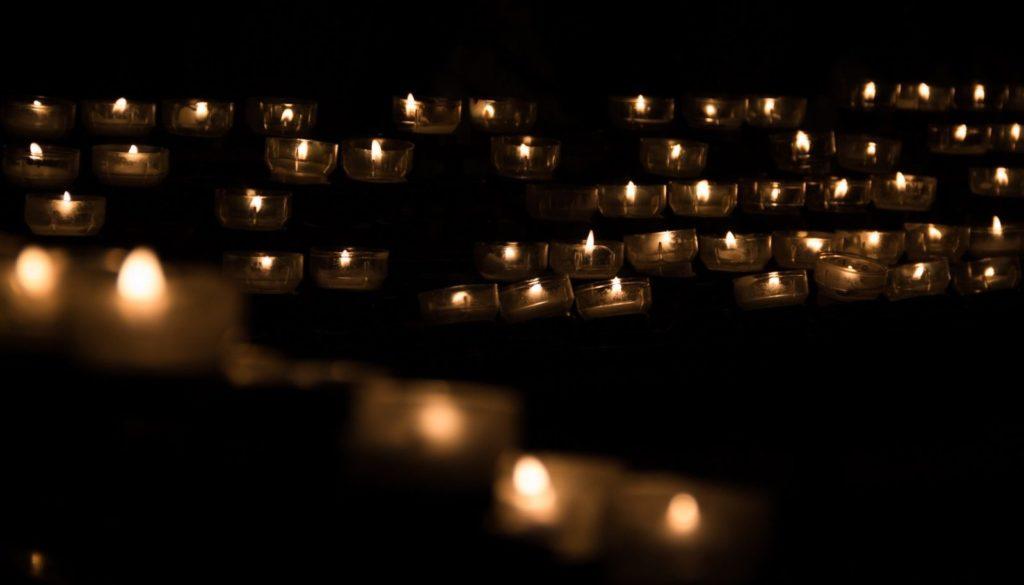 candle-1068946_1920